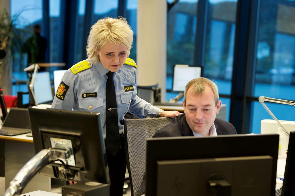 Politimester og redningsleder ved øvelsesstart